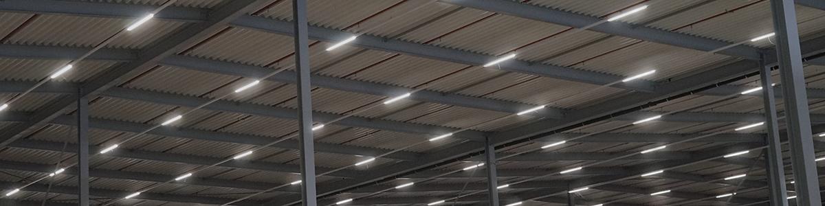 lampen in opslag loods